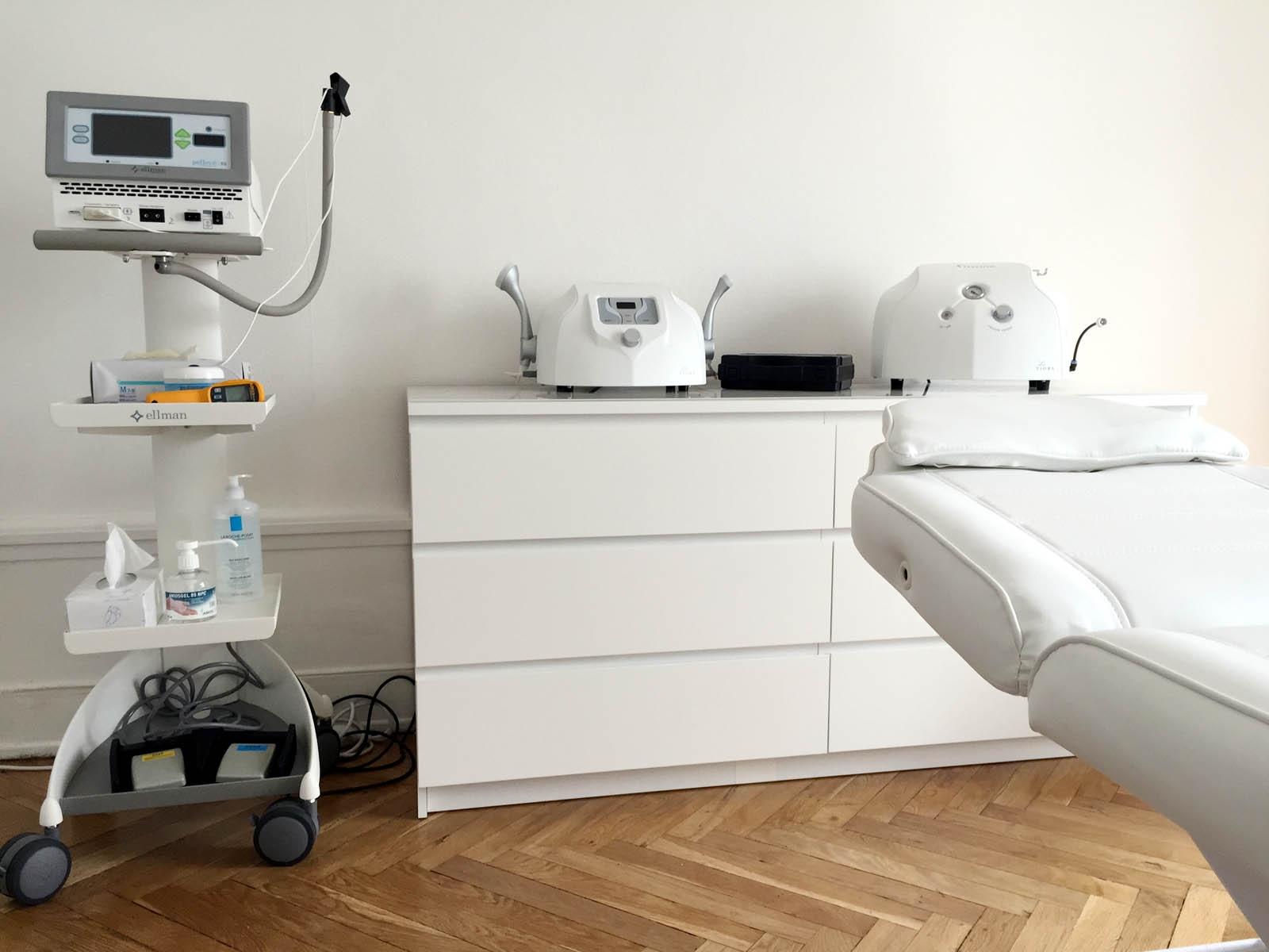 Salle de soins radiofréquence au centre Néodermage de Lyon